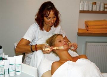 Massage-und-Kosmetik